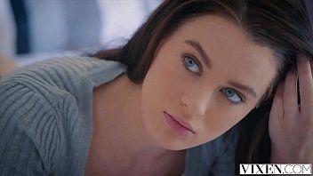 Nudevista fodendo morena de olhos azuis