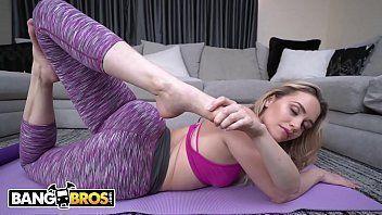 Filme porno fazendo exercícios e fodendo