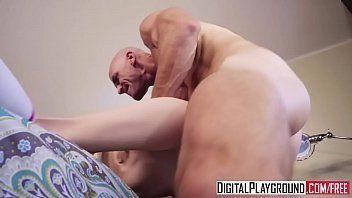 Testosterona fodendo a garota