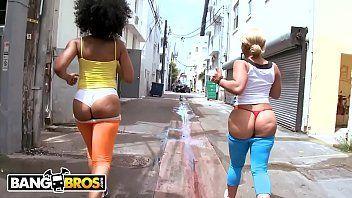 Xlxx duas mulheres peladas fodendo