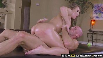 Xvideo de sexo comendo uma loira bunduda e safada