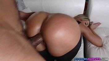 Elite girl fodendo uma bunduda no cio