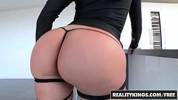 Mega porno com uma mulher bunduda e gostosa
